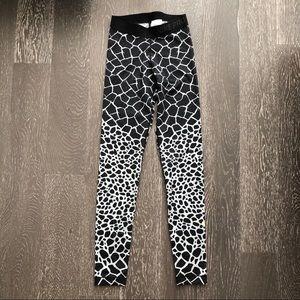 f56e8b1f5159d Nike Pants | Nwot Pro Drifit Giraffeprint Leggings Xs | Poshmark
